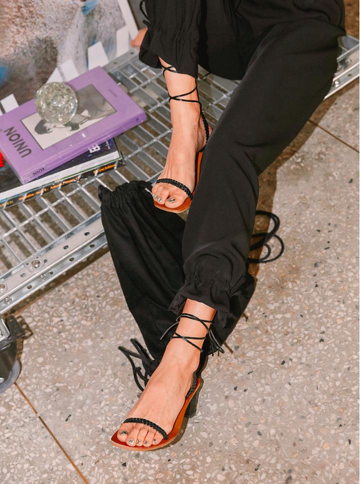 Giày Sandal quai mảnh