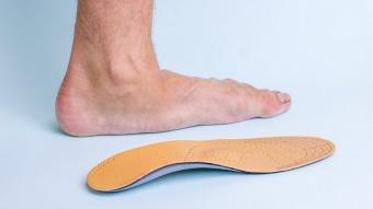 Giày da bóng giày thể thao là kiểu giày sinh ra dành cho những ngày mưa gió